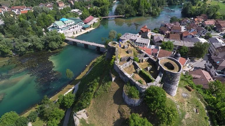 Tvrđava Pset kod Bosanske Krupe - važno uporište osamnskih osvajanja prema  sjeveru i zapadu - BOSNAE